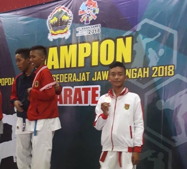 juara 3 karate popda prov jateng